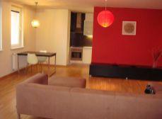 Predaj nádherného 2 izb. bytu v nadstavbe (9r.) na Trenčianskej ul. s loggiou a vlastným kúrením.