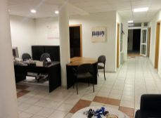 Predaj kancelárskeho a obchodného priestoru v Rovinke v 11 r. novostavbe, 354m2.
