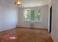 IBA U NÁS Vám ponúkame na predaj 1-izbový byt v Trenčíne na ul. Legionárska o rozlohe 39 m2.