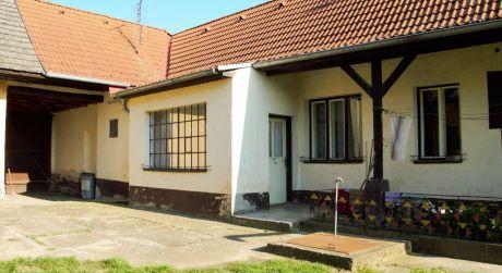 Na predaj 2 rodinné domy, veľká záhrada, 3.151 m2, Hôrka nad Váhom