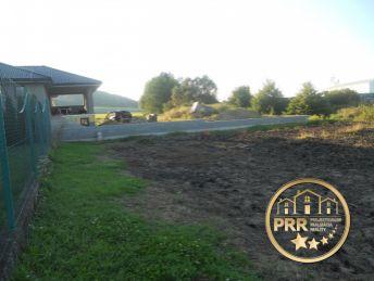 Stavebný pozemok v Bánovciach n/B.,časť H.Ozorovce, 2183m2-predaj