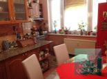 PREDANÉ – krásny 2-izbový byt po rekonštrukcii na zvýšenom prízemí Košická ul. SENEC