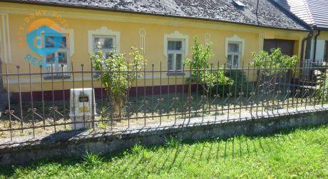 Exkluzívne na predaj rodinný dom s veľkým pozemkom, 1087 m2, Beckov
