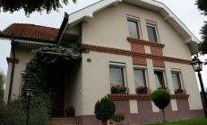 POZOR! ZNÍŽENÁ CENA!!! Krásny, priestranný rodinný dom v tichom prostredí, blízko Dunajskej Stredy.