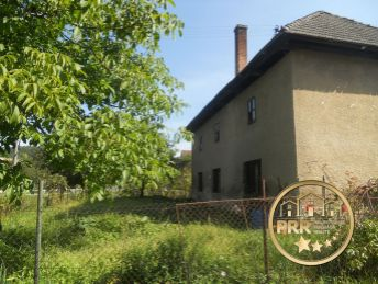 Rezervované !!! Kamenný dom s pozemkom 1861m2 v podhorskej obci Kšinná, na predaj