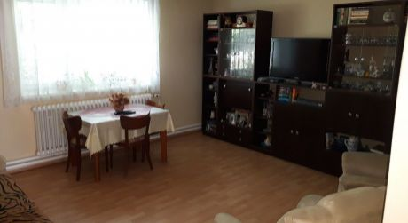 Na predaj 3 izbový dom, veľký pozemok, Hlohovec, Šulekovo