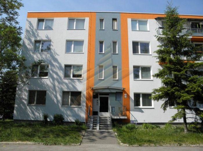 PREDANÉ - GOLÁŇOVA, 4-i byt, 69 m2 –pripravený na rekonštrukciu podľa Vašich predstáv, VÝBORNÁ LOKALITA