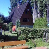 Chata v panenskej prírode, s čistým vzduchom a vôňou ihličnatých stromov