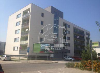 PREDAJ: 1 izb. byt s parkovacím miestom, novostavba, kompletne zariadená, Stupava, Agátky