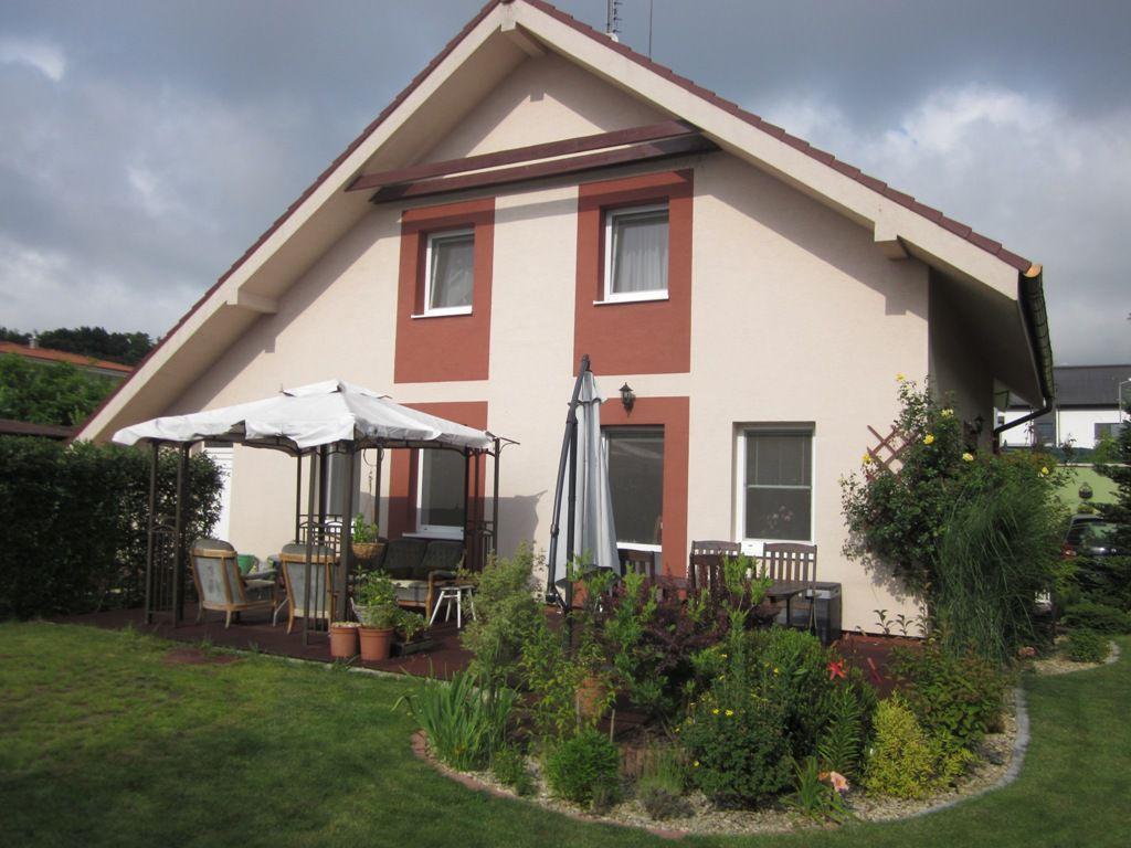 Areté real, Predaj 5-izbového dvojpodlažného rodinného domu s okrasnou záhradou pod lesom v Stupave