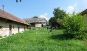 IBA U NÁS ! Veľký slnečný pozemok so starším domom v Mníchovej Lehote, okr. Trenčín