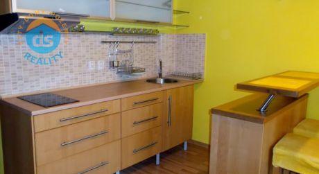 Na predaj byt 2+KK s balkónom, 42 m2, Trenčín, centrum