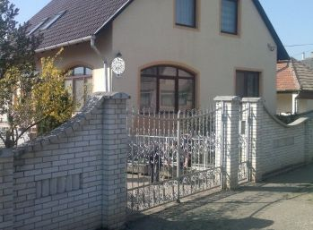 Predáme tehlový, rodinný dom - Maďarsko - Encs