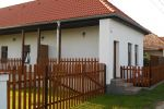 Krásne prerobený dom vhodný na rekreaciu ale aj bývanie 90 km od BA a len 15 km do Piešťan