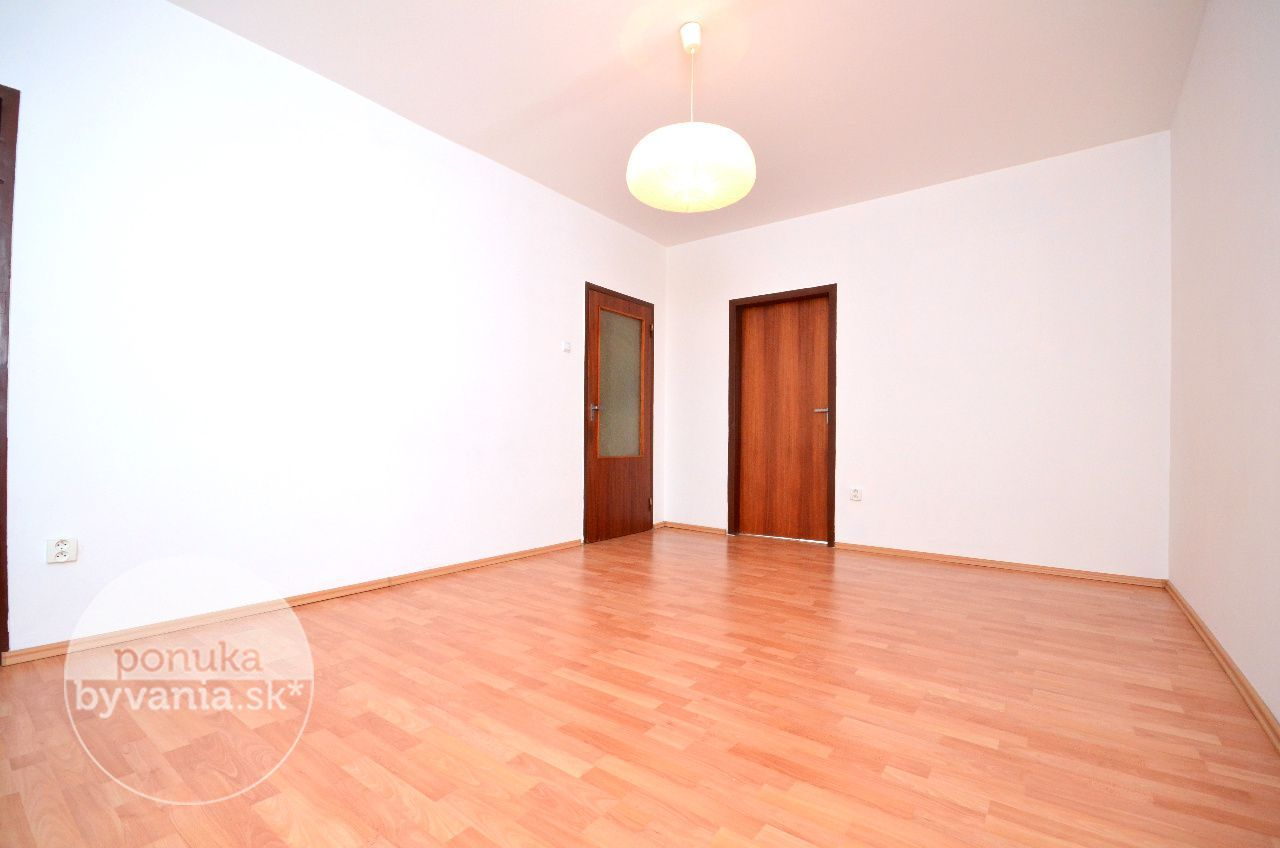 ponukabyvania.sk_Toplianska_3-izbový-byt_archív