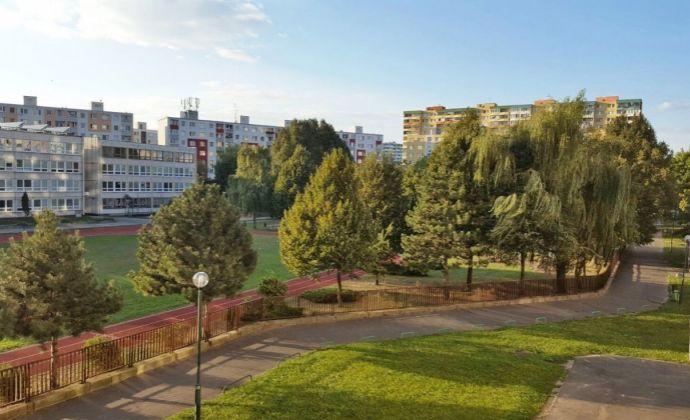 PREDAJ, 3 izbový byt, Bratislava - Petržalka, Markova ul.