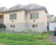 Predaj, rodinný dom s garážou a hospodárskou budovou