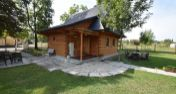 Nová drevenica na brehu jazera Sĺňava, k.ú. Banka, 1 km od SPA Piešťany