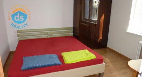 Na prenájom byt 3+1 s balkónom, 67 m2, Trenčín, ul. Liptovská