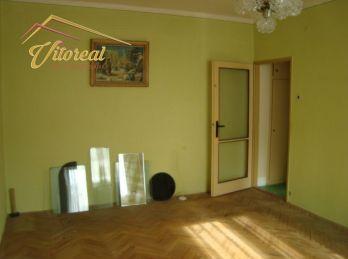 PREDANÉ-  AK MÁTE PODOBNÝ BYT NA PREDAJ, NEVÁHAJTE A KONTAKTUJTE MA -EXKLUZÍVNE - Predáme 2 izbový, tehlový, byt bez balkóna