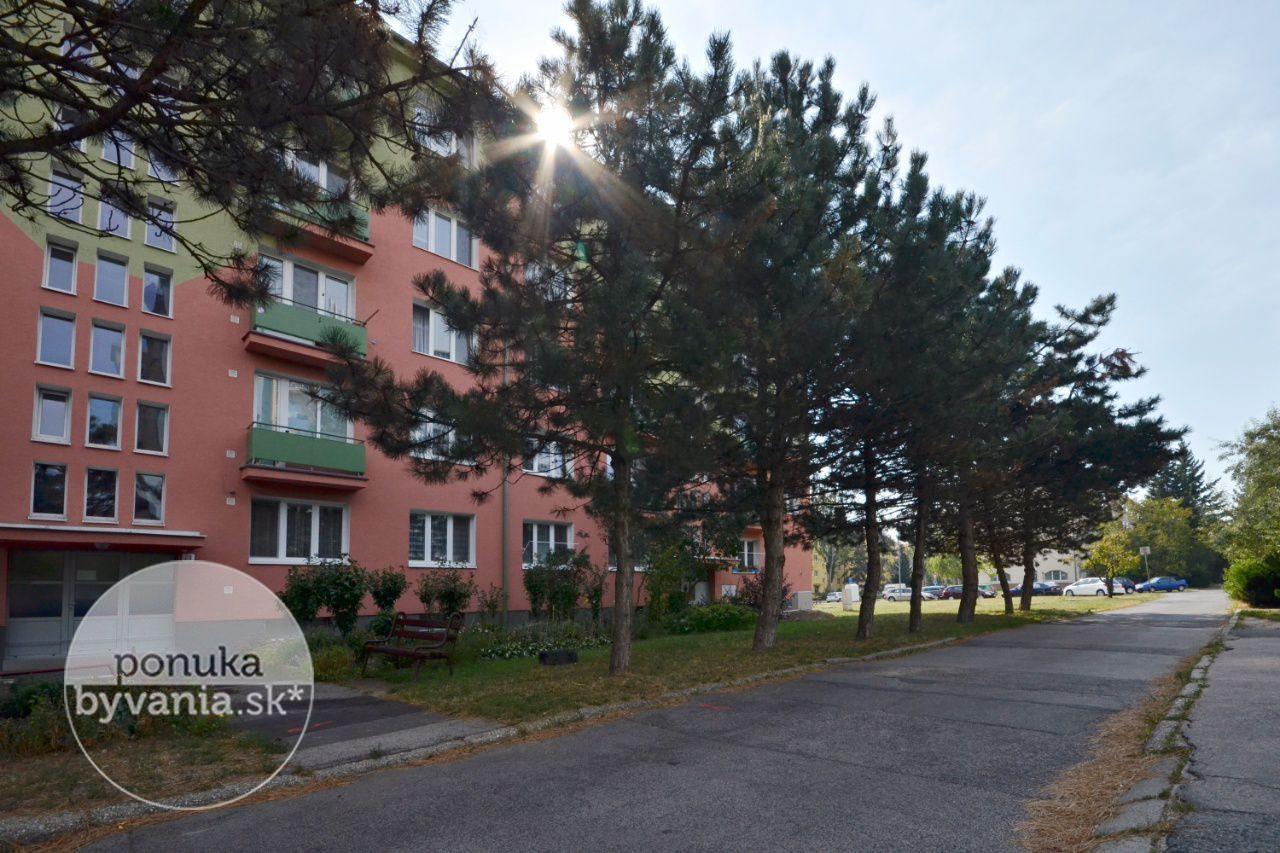 ponukabyvania.sk_Kadnárova_2-izbový-byt_KOVÁČ