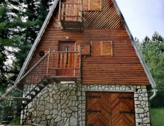 Predaj rekreačná murovaná chata v okolí Kováčová