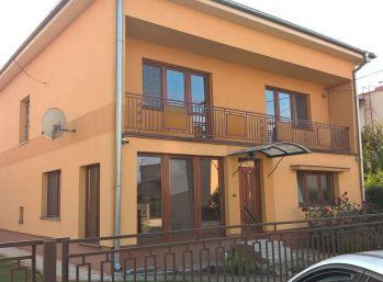 Reality Štefanec /ID-10402/ Trstice, okr. GA, predaj 6 iz RD pre náročných. Cena 111.500,-€, REZERVOVANÉ !!!