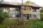 PREDAJ : ponúkame starší rodinný dom neďaleko Banskej Bystrice a Brezna