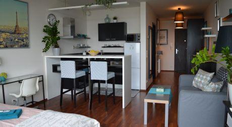 III VEŽE - krátkodobý prenájom exkluzívneho štúdio Apartmánu na 19. posch. s krásnym panoramatickým výhľadom na mesto a športoviská