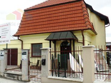 Na prenájom komerčná budova 160 m2 ako kancelárske priestory - Nové Mesto n/V