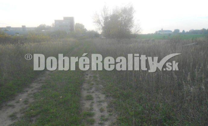 Na predaj pozemok v priemysel.zóne v NOVÝCH ZÁMKOCH.