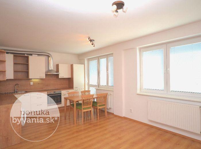 PREDANÉ - KAZANSKÁ, 2-i byt, 53 m2, NOVOSTAVBA, BALKÓN, murovaná komora, PARKOVACIE STÁTIE, MESAČNÉ NÁKLADY 60 EUR, úplne nová KUCHYNSKÁ LINKA