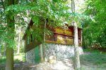 Oddych, relax a únik od reality môžete zažiť v rekreačnej chate vo Vyšehradnom, ktorá je práve na predaj!