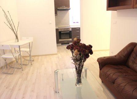 Starbrokers - prenájom 2-izbového bytu v novostavbe s parkingom, Staré Mesto, Jelenia