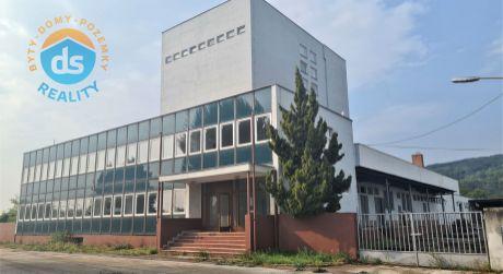 Na predaj  hala - priemyselný areál, cca 7.962 m2, Nové Mesto nad Váhom