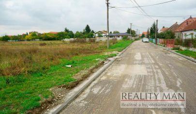 REALITY MAN – stavebný pozemok 1 888 m2,  P.O. Hviezdoslava – Madunice