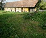 Rodinný dom v pôvodnom stave, pozemok 1560 m2, Mníchova Lehota, okr. Trenčín