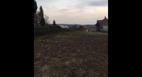 Na predaj pozemok v Červenom Hrádku