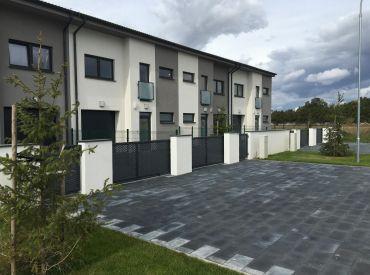 REZERVOVANÉ! Posledné 3 domy od 162500,- v Rovinke www.alejprihradzi.sk ! Dom o rozlohe od 225m2, 7 izieb, garáž + 2 x parkovanie, pozemok 400m2! Výborná cena!