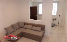 Na predaj krásny, kompletne zrekonštruovaný 1,5 izbový byt, šatník, Trenčín, Kyjevská.