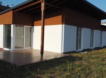 Aktuálne postavená  novostavba rodinného domu v  Chrastnom