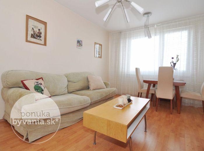 PREDANÉ - GABČÍKOVA, 2i-byt, 53 m2 - zateplený bytový dom, ŠATNÍK, blízko PRÍRODY, nádherné výhľady