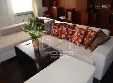 Predaj :  luxusný dizajnový 3-izbový byt v Starom meste - Jakubovo námestie