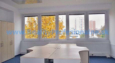 Kancelárie: 18 m2, Bratislava – Račianska ulica, prenájom kancelárií v administratívnej budove