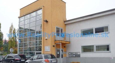 Kancelárie: 20 m2, Bratislava – Račianska ulica, prenájom kancelárií v administratívnej budove
