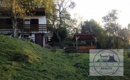 Chata s pozemkom v Marianke