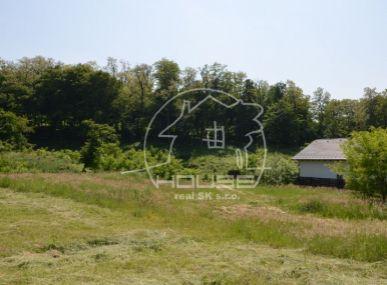 PREDAJ: pozemok s výmerou 1600m2, vhodný na stavbu RD, v obci Marianka