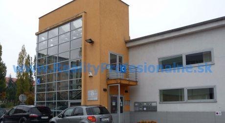 Kancelárie: 40 m2, Bratislava – Račianska ulica, prenájom kancelárií v administratívnej budove