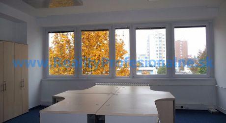 Kancelárie: 34 m2, Bratislava – Račianska ulica, prenájom kancelárií v administratívnej budove