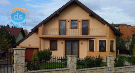 Exkluzívne na predaj novostavba rodinného domu 5+2 s garážou, 651 m2, Trenčianska Turná